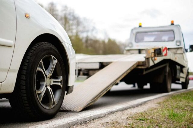 8 Benefits of Using Junk Car Removal Services - The Messenger